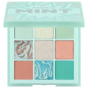 BNIB huda beauty mint palette